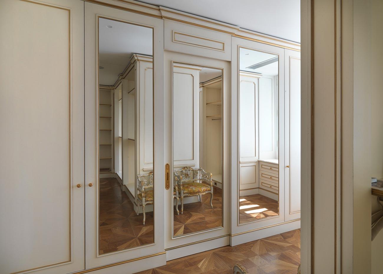 armadio-con-ante-a-specchio