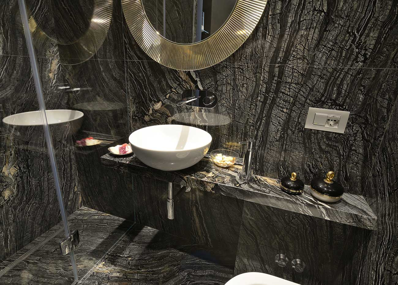bagno-in-marmo-asiatico-black-wood
