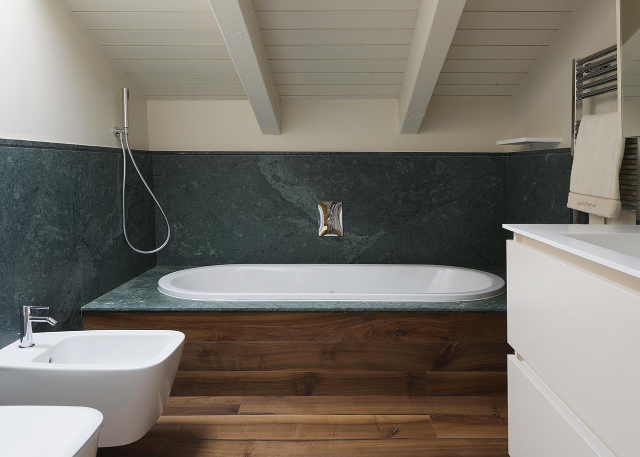 bagno-in-marmo-indiano-verde-guatemala