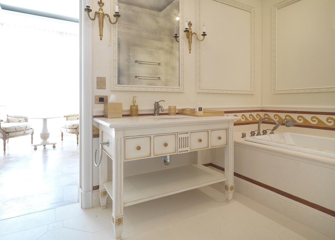 bagno-pavimento-in-marmo