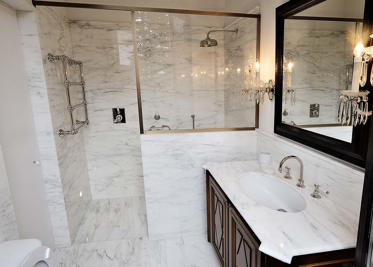 doccia-in-marmo-di-carrara