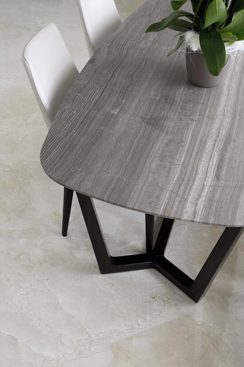 tavolo-con-pavimento-in-marmo-spagnolo