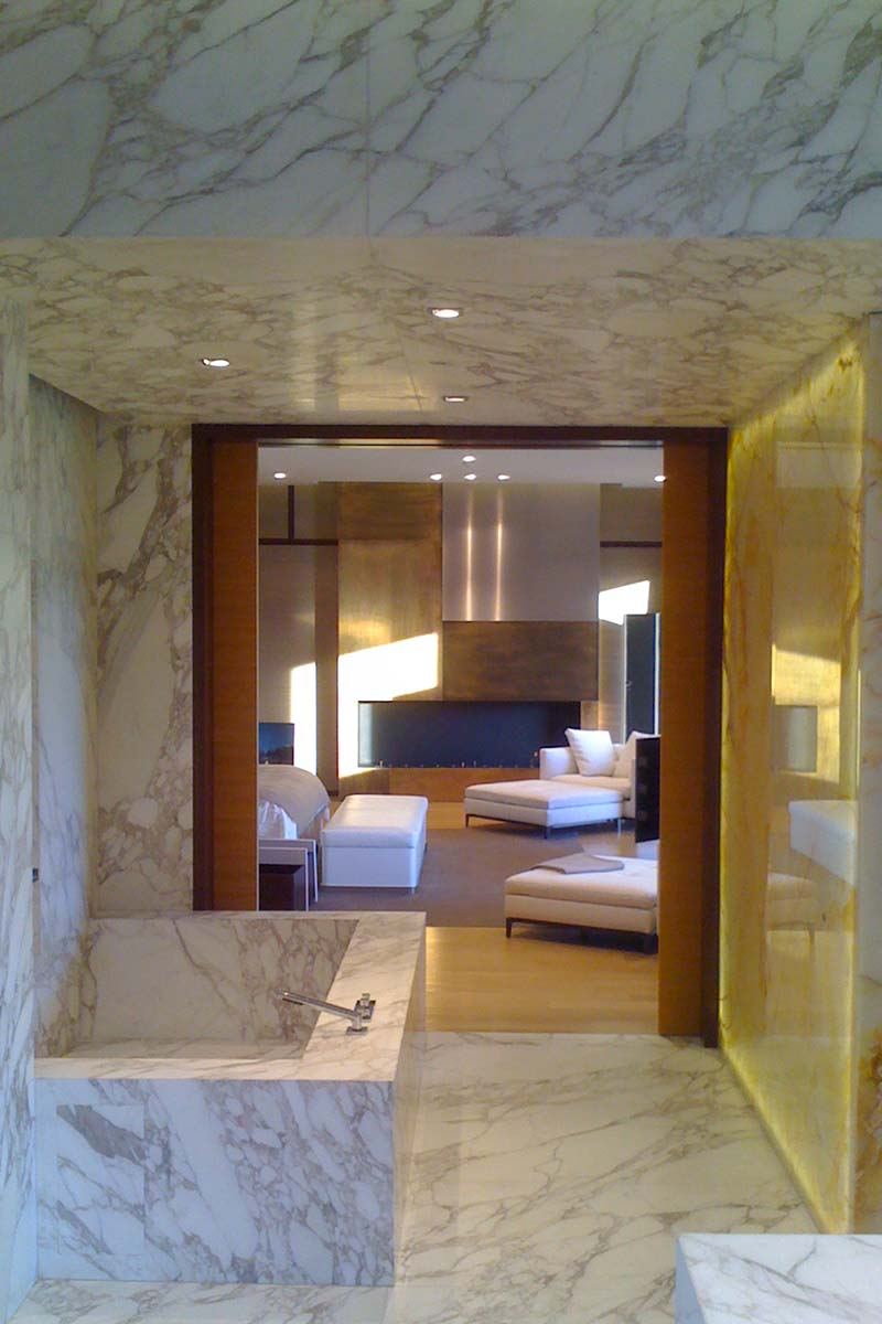 bagno-in-marmo-villa