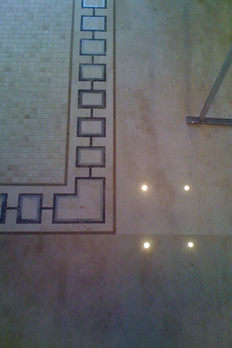 bagno-marmo-mgm-la-marmoteca-dettaglio-pavimento-intarsi
