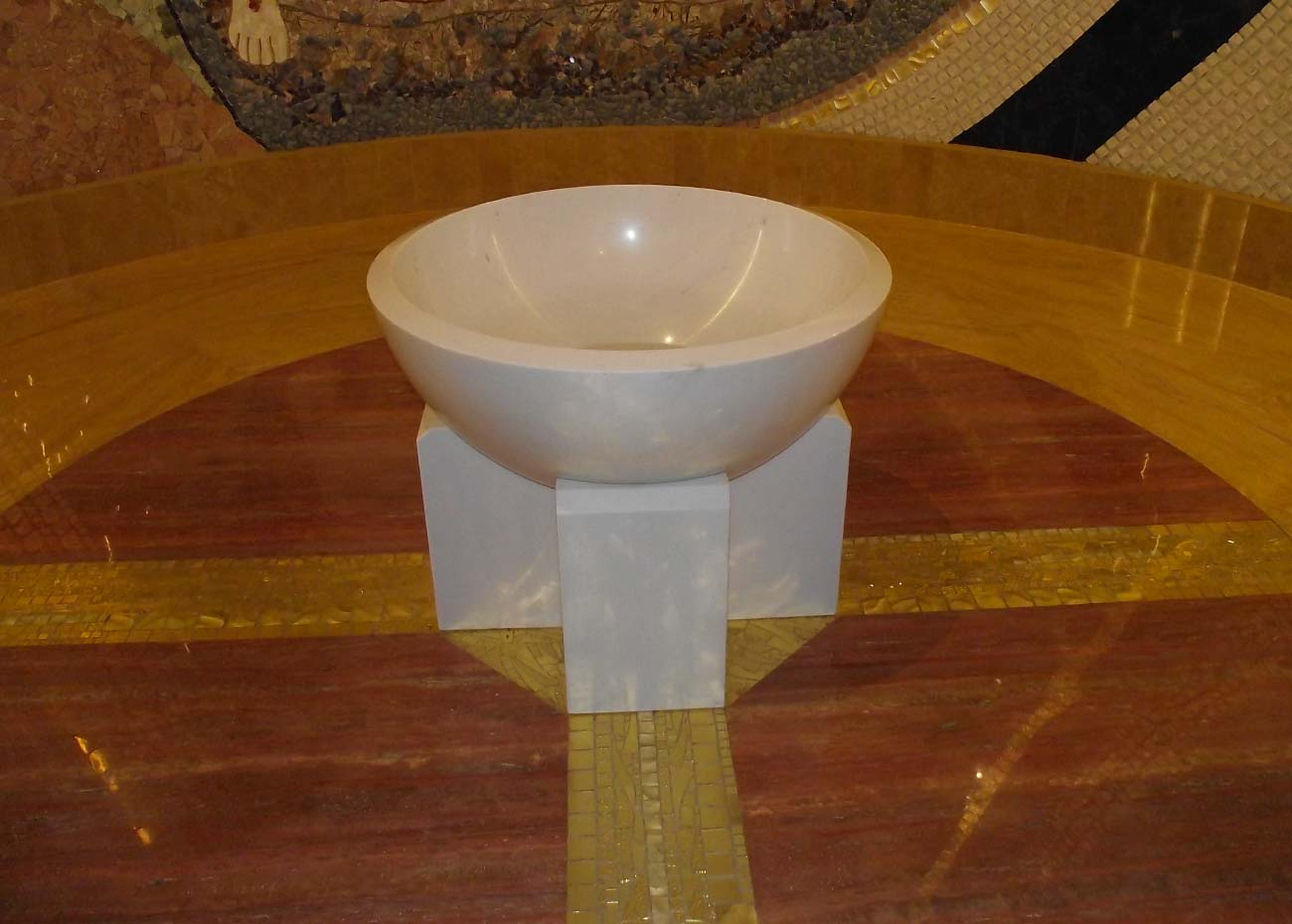 casciago-fonte-battesimale-in-marmo