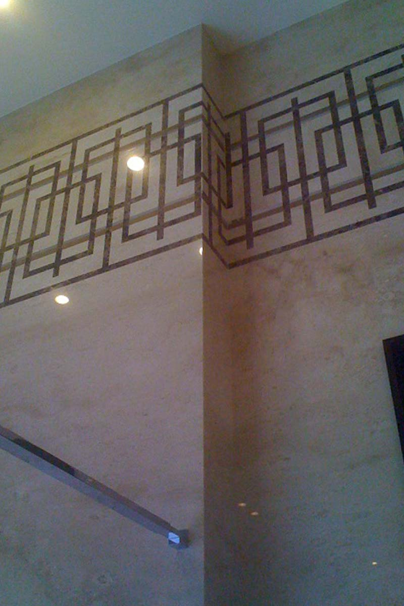 parete-in-marmo-con-intarsi-mgm-la-marmoteca